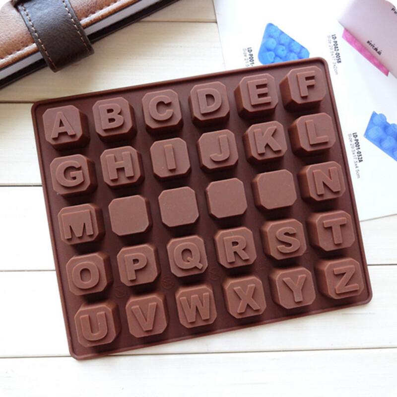 Шоколадные кубики с буквами