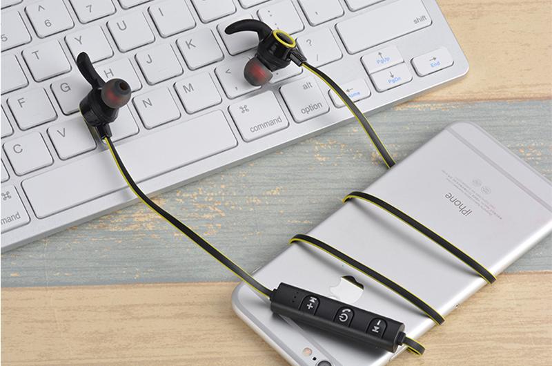 WH Желтый AMW-810 Спортивный Sweatproof Stereo Bass Hi-Fi