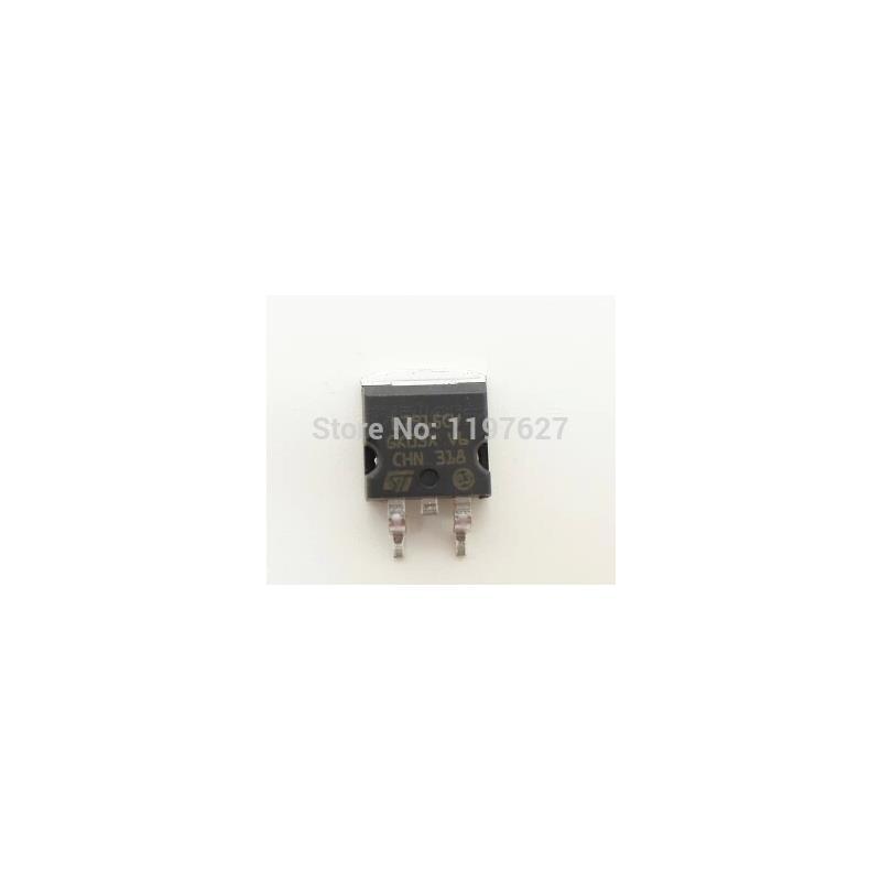 IC l7915cv to 220