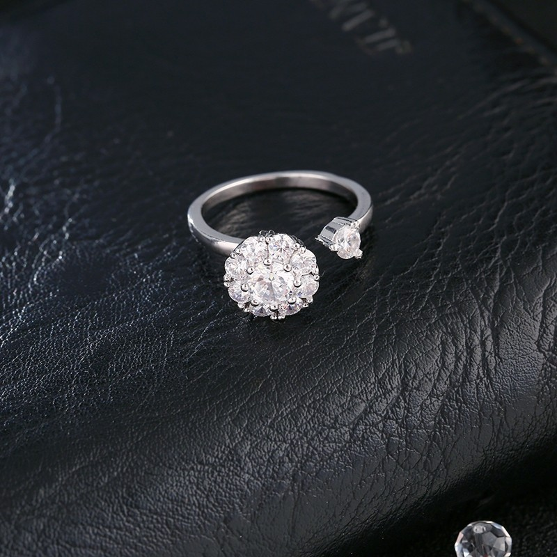 Кольцо с бриллиантами Кольцо с бриллиантами Кольцо с бриллиантами Кольцо с бриллиантами OFF XXL Белый кристалл Resizable фото