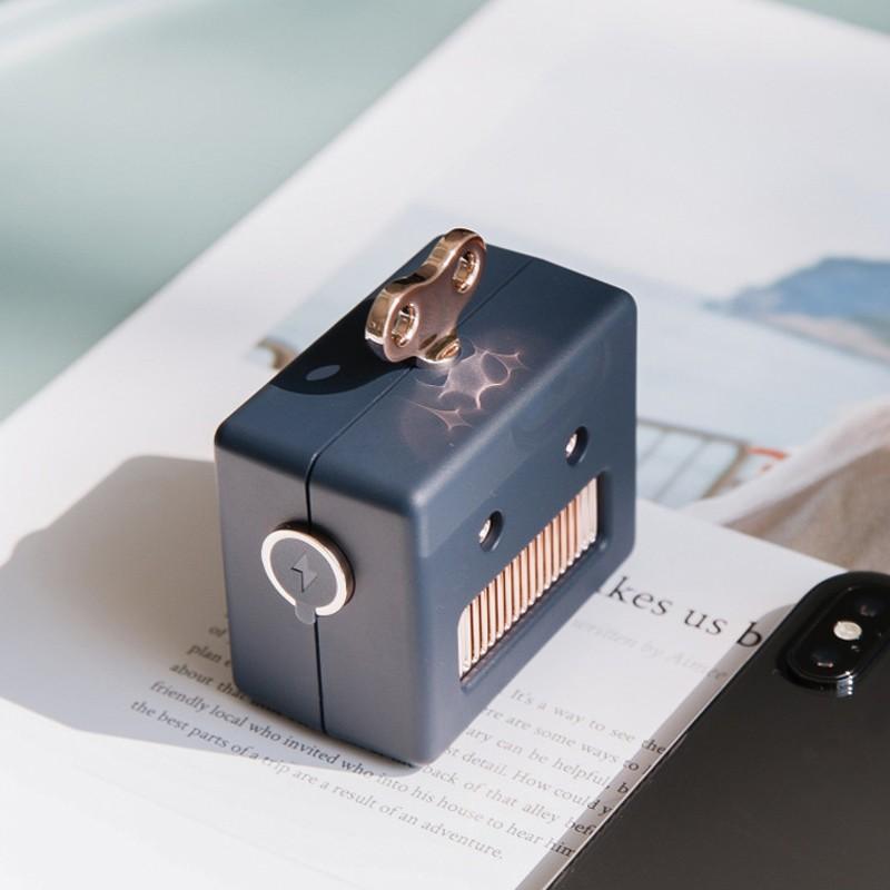 Беспроводной динамик беспроводной робот динамик беспроводной робот bluetooth дин JYSS Синий цвет фото