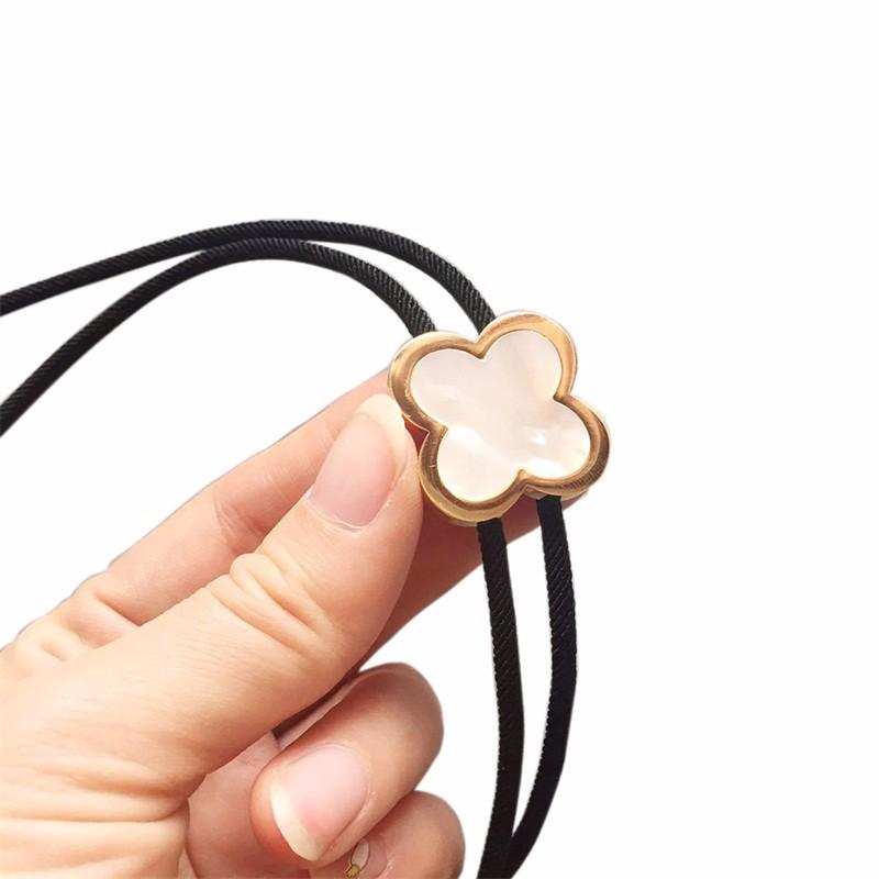 JEANS FRIEND Black lucky clover pendant necklace