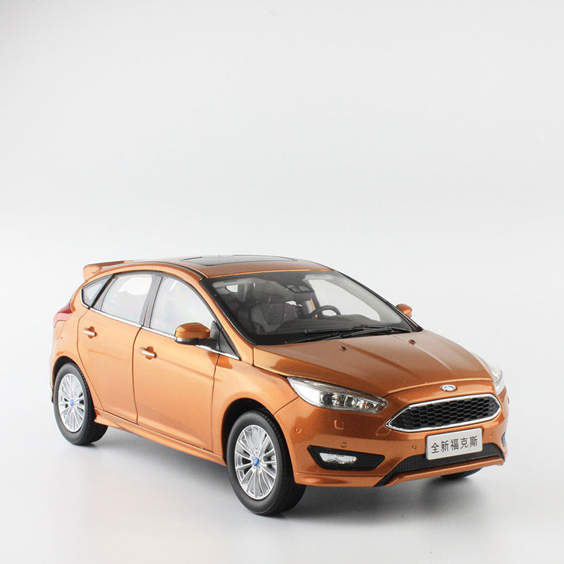 Paudi 1 18 ford focus sedan diecast car model for collection gifts hobby silver