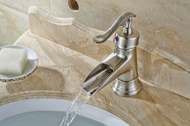 GANGGANG brushed nickel bathtub faucet long nose water outlet pipe shower mixers single handle control with handshower and bracket