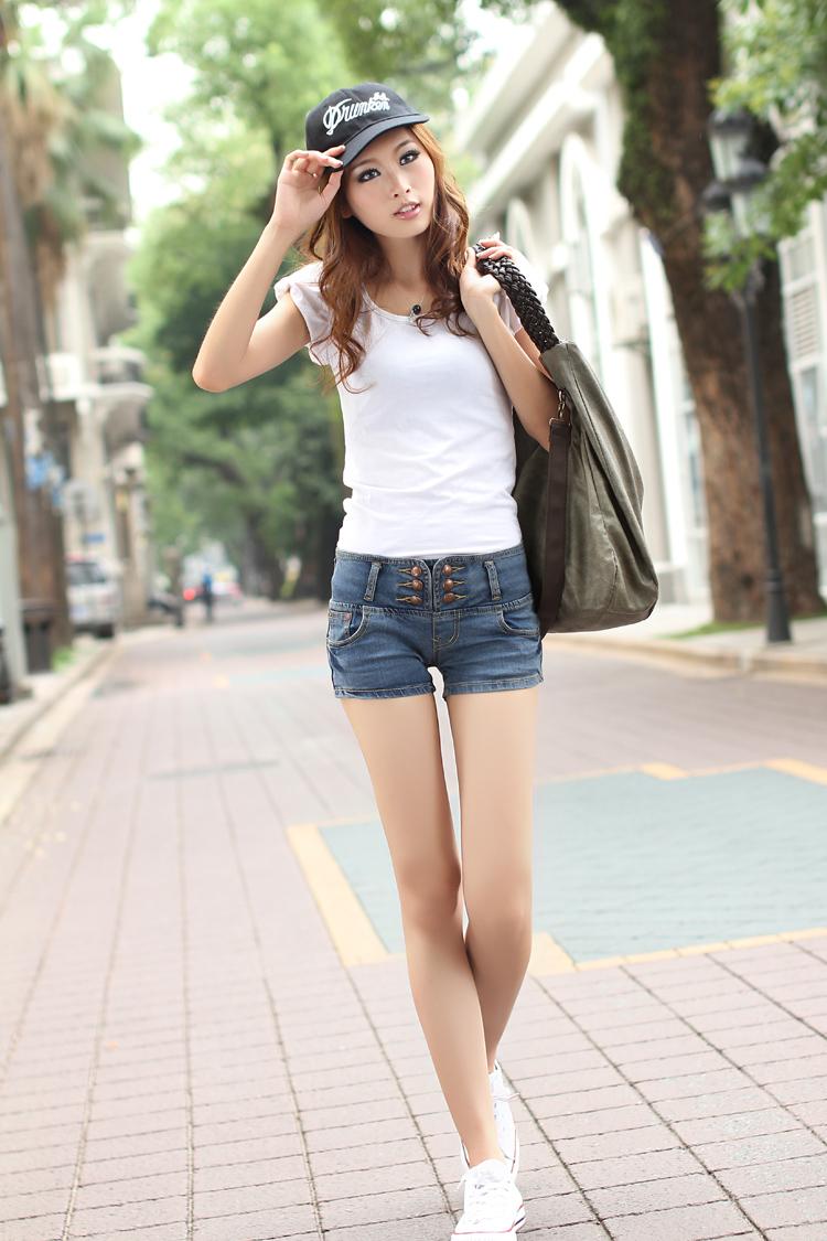 艾尚比尔 夏季必备爆款多排扣极致收腰 牛仔短裤夏季热裤女 性感热裤女款 33222 蓝色 M/27