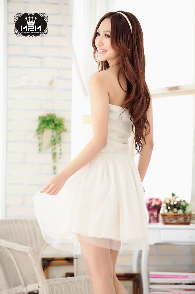 浅末(qianmo)两拼色网纱抹胸公主型小礼服