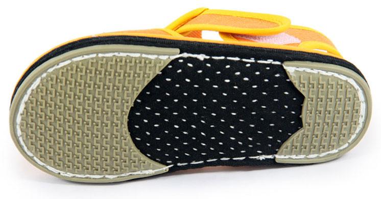 手工布鞋是手工制作的,不像机器生