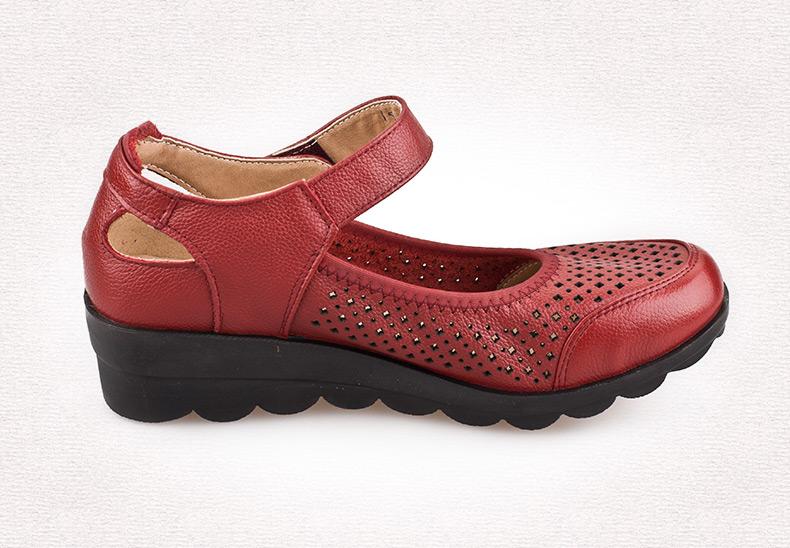 中老年酒红色皮鞋 中老年女坡跟单皮鞋