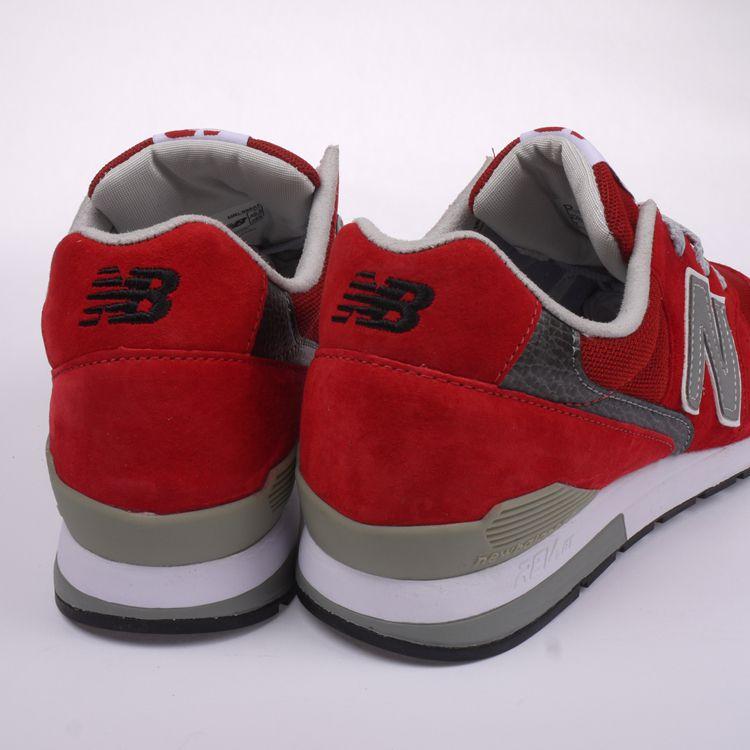 红色nb鞋子怎么搭配