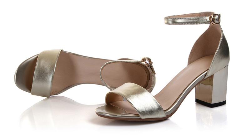 新款女鞋凉鞋女中跟鞋
