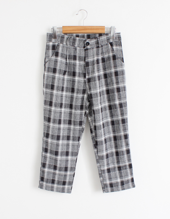 灰色格子短裤怎么搭配上衣服图片