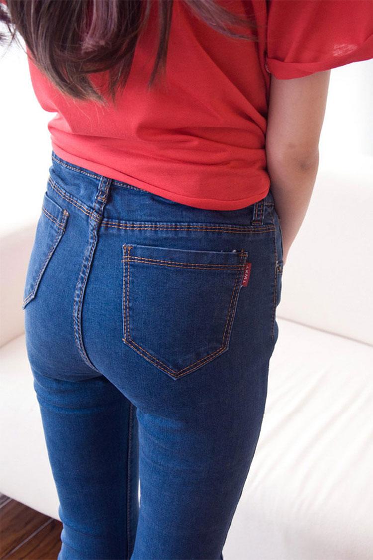 蓝色紧身牛仔裤后入
