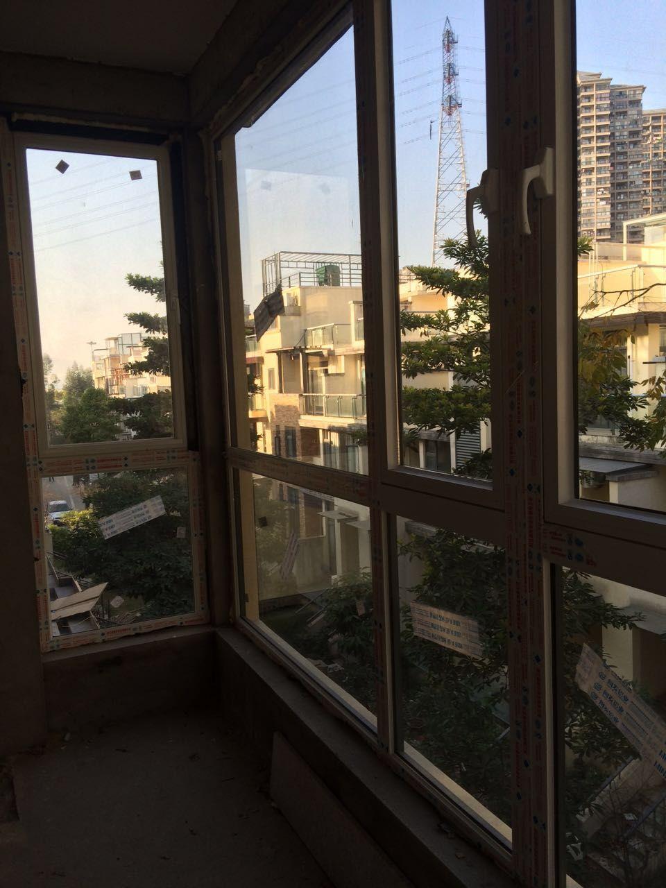 忠旺断桥铝平开窗 铝合金飘窗阳台设计 封闭转角阳台