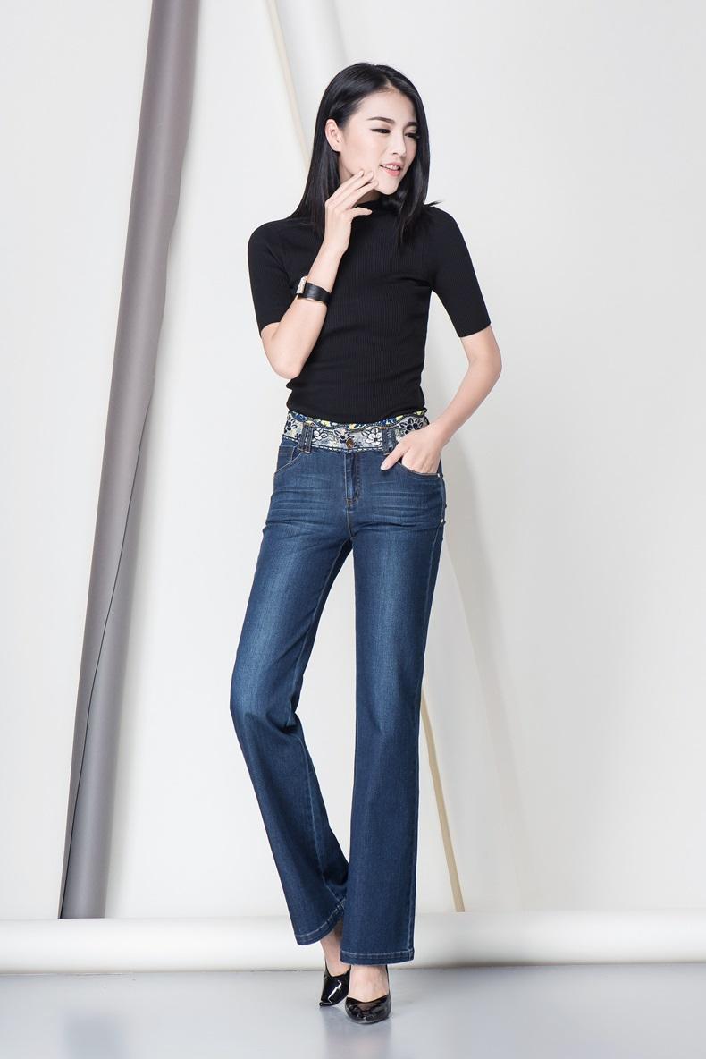 发型设计 阔腿牛仔裤配什么发型 > 经典水洗摩登阔腿牛仔裤  经典水洗图片