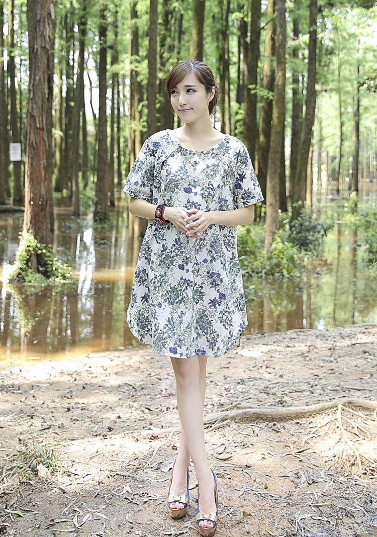 青果1大码女装 森系亚麻短袖宽松休闲 碎花连衣裙图片