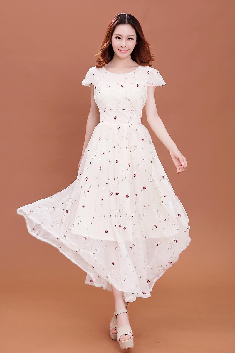 气质优雅的雪纺连衣裙,穿上气质减龄,现在穿最合适!