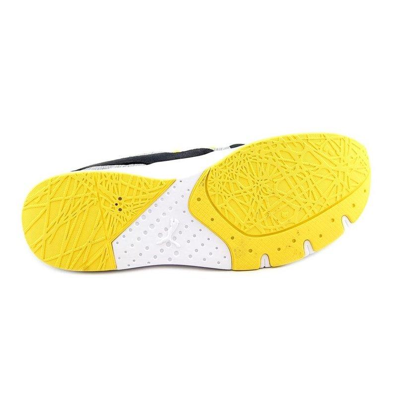 该鞋的特点,提供了透气性,花边封闭,填充领舒 适,模压eva中底,在鞋舌