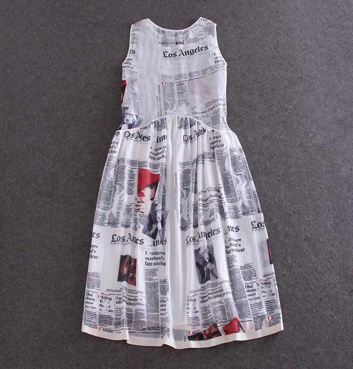 欧美大牌b家字母报纸图案丝棉背心连衣裙