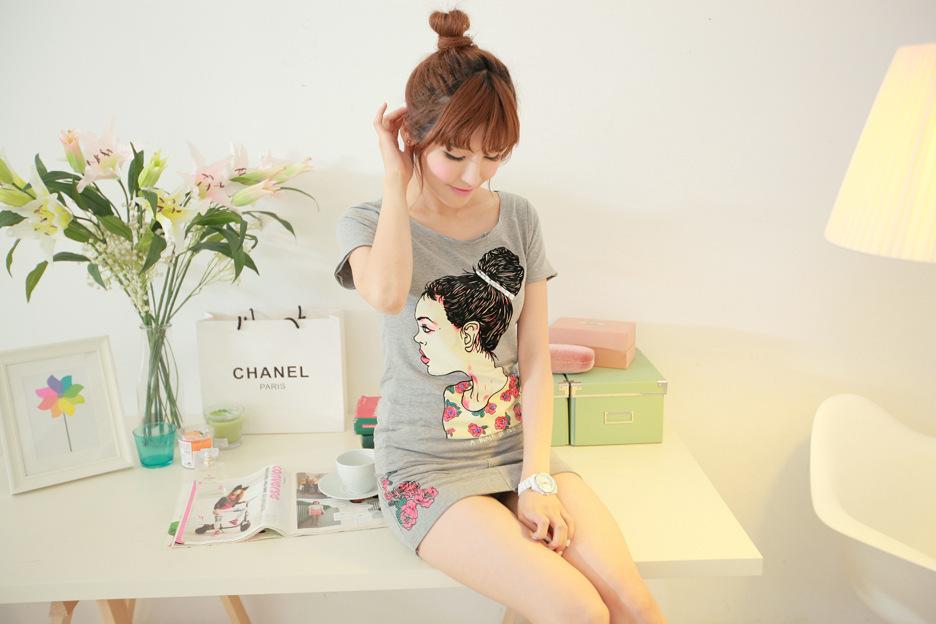 芮婕优质夏新款批发韩版休闲玫瑰印花手绘头像修身棉