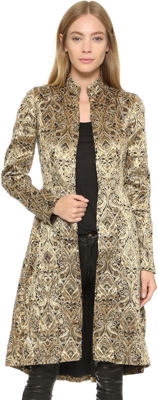金色羊绒大衣