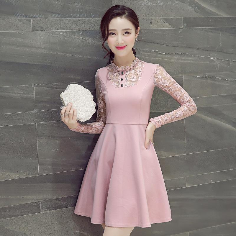 蕾丝蓬蓬裙连衣裙