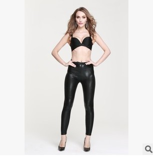 短皮裤美女_情趣皮裤亮光图片_皮裤控福利吧-情趣皮裤亮光图片