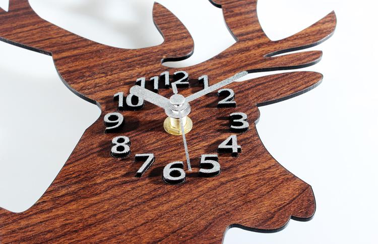 田园木头色鹿头 创意可爱鹿头墙面壁时钟挂表 破旧绿木头色.