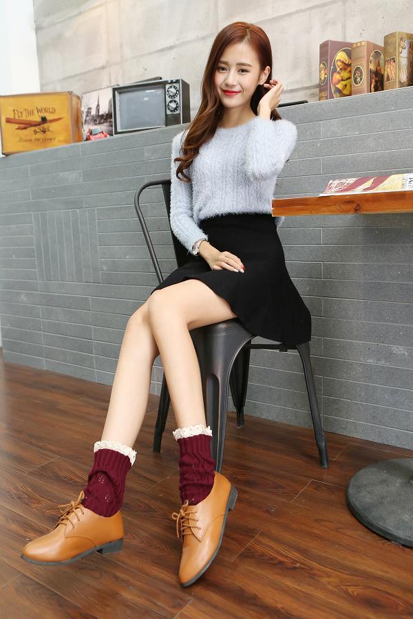 欧美丝袜色�_欧美短款毛线女士可爱翻口菱形镂空树叶蕾丝袜套靴套针织脚套 浅灰