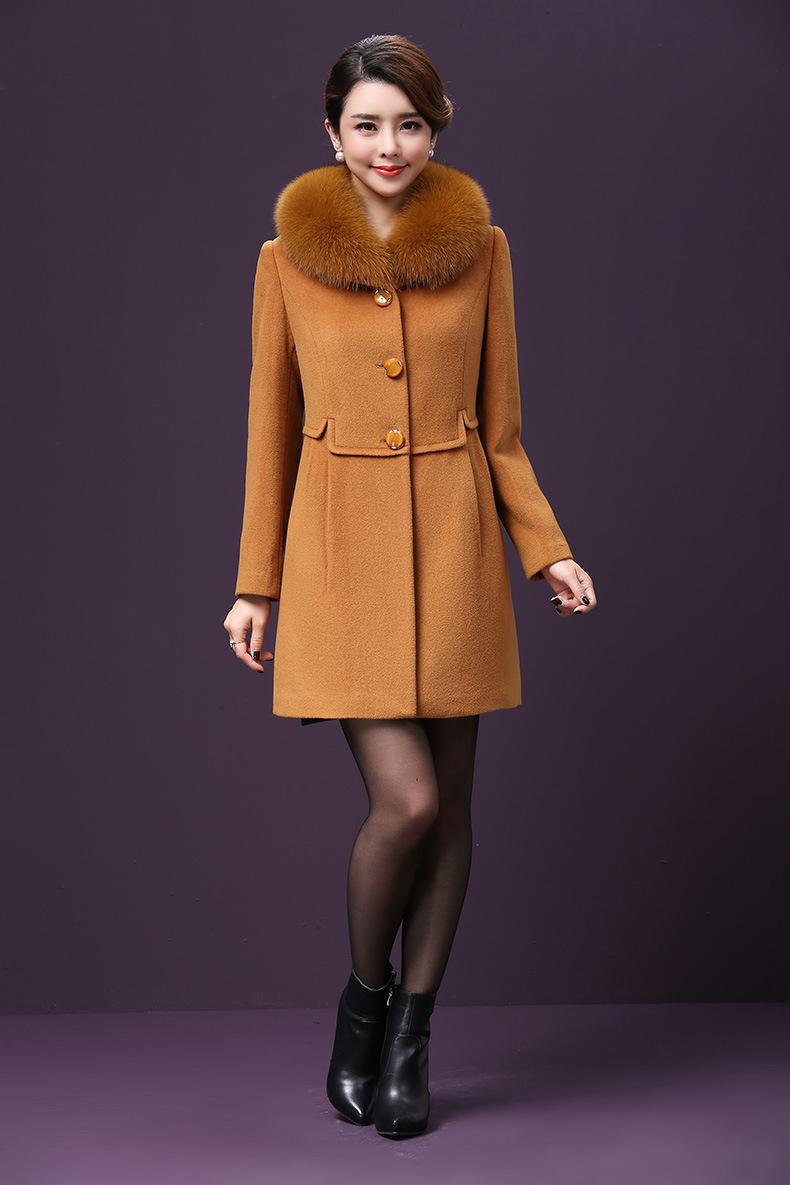 毛绒大衣美少妇 - 花開有聲 - 花開有聲