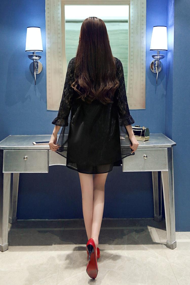 蕾丝衫拼接欧根纱