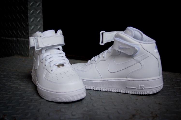 耐克(nike) air force 1 mid男士空军一号中帮休闲板鞋运动鞋专柜 纯