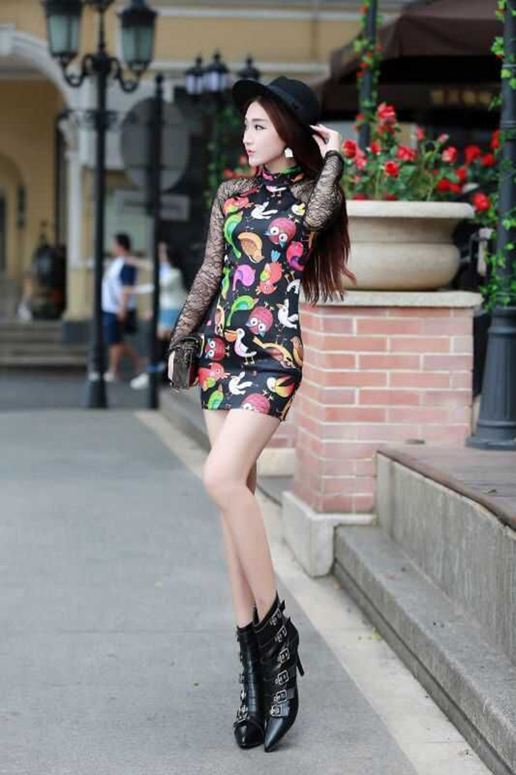 伊情飞扬2016新款性感夜店蕾丝拼接动物印花高领包臀连衣裙808 白色