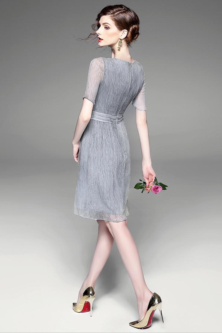 手绘花朵复古连衣裙
