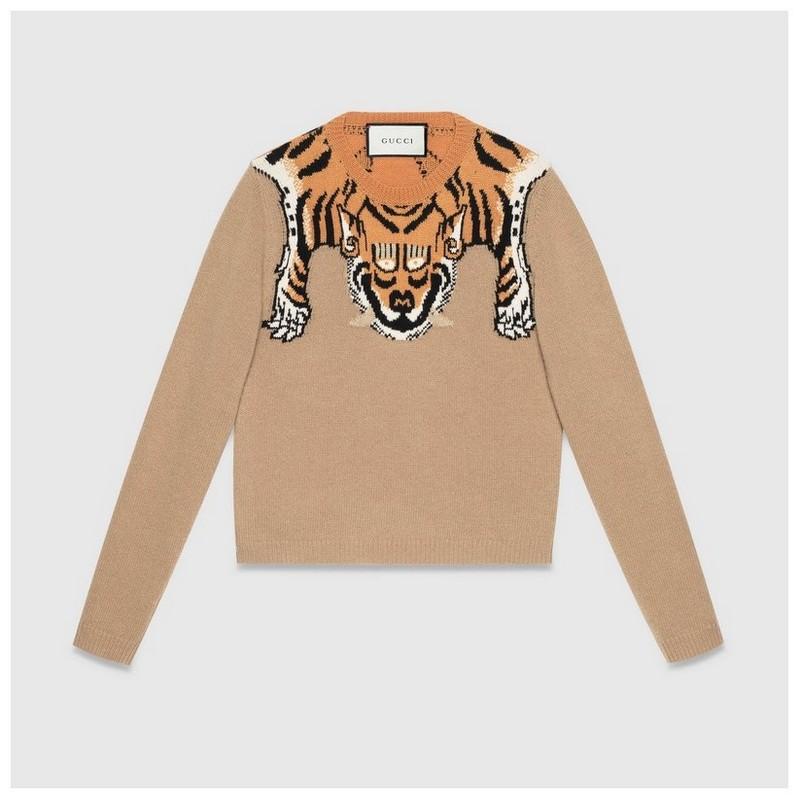 裸色羊毛  正面配以针织老虎细节  背面配以老虎条纹细节  缝制