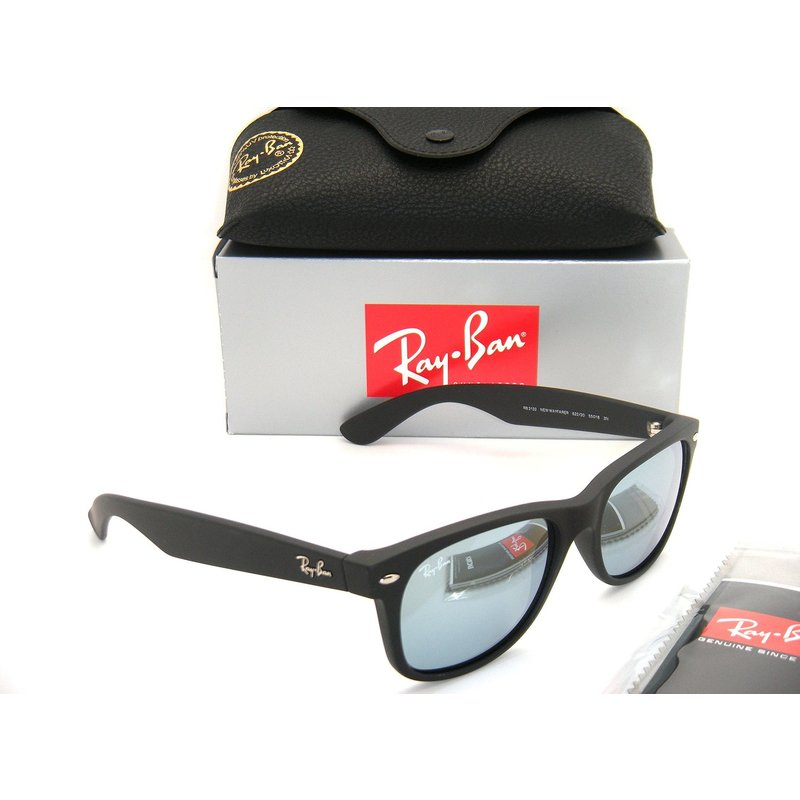 ray ban black mirrored aviators  technology: mirrored