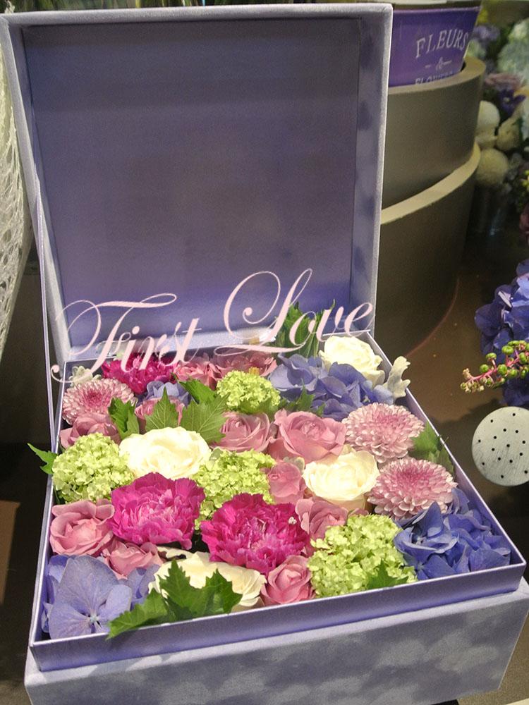绣球郁金香玫瑰花四方形绒布礼盒214情人节礼物鲜花 福州同城配送