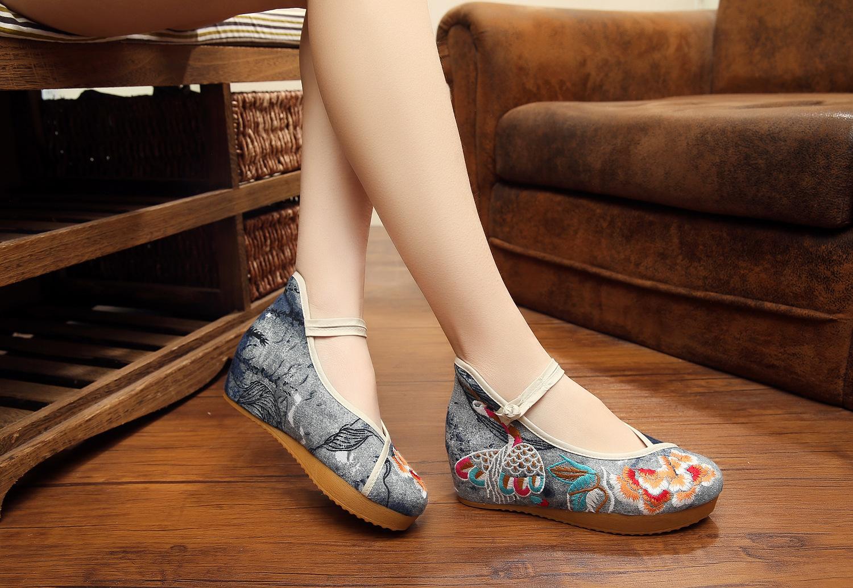 创意设计厚底老北京民族风绣花女单鞋舞蹈