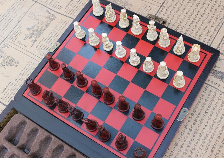 仿古国际象棋/移动棋盘微缩立体仿清兵棋子配仿古皮盒