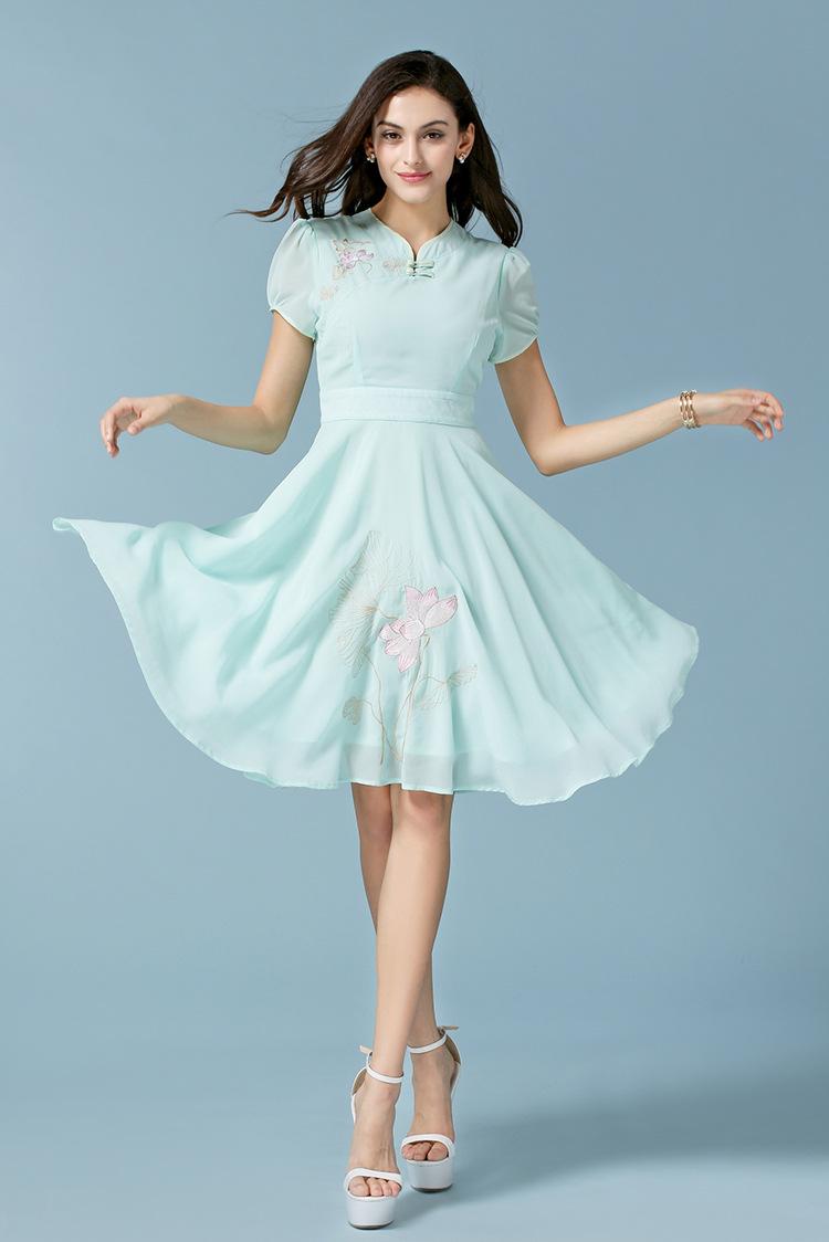 蓬蓬裙连衣裙
