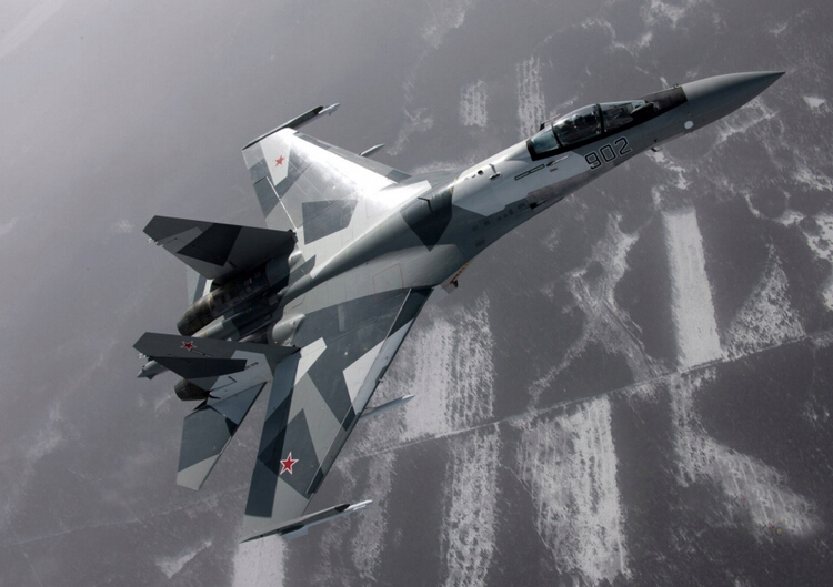 小号手拼装飞机军事模型 1/48俄罗斯苏35/37双发重型战斗机 模型 胶水