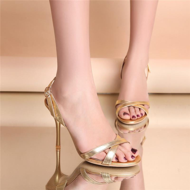 露趾高跟鞋性感