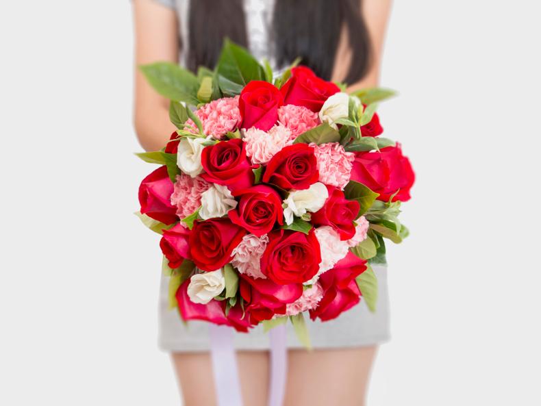 绿韵花田 玫瑰鲜花新娘婚礼婚庆结婚手捧花真花韩式混搭球形花束 红
