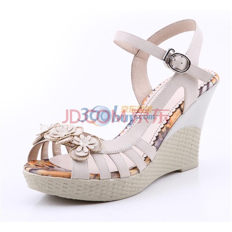 靓典最新款坡跟花朵凉鞋搭扣女鞋防水台可爱带钻凉鞋