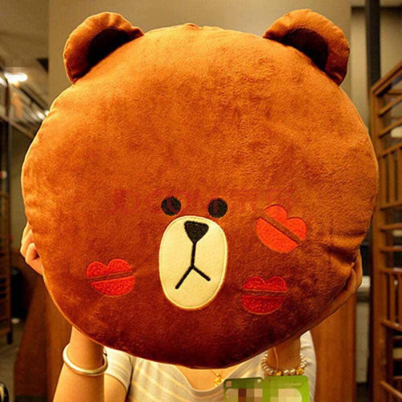 卡通可爱布朗熊抱枕暖手捂汽车头枕腰靠枕靠垫车用护颈枕毛绒玩具