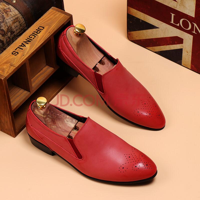 男红色皮鞋搭配图片
