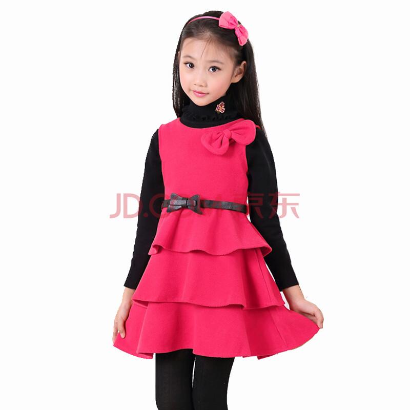 玫红色裙子搭配外套