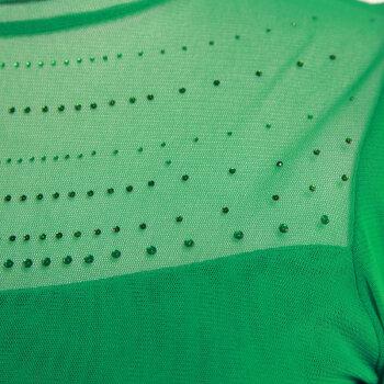 绿色外套搭配什么颜色打底衫