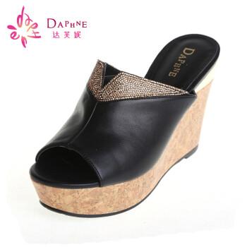 daphne/达芙妮 14年新款凉鞋优雅休闲水钻一字型亮