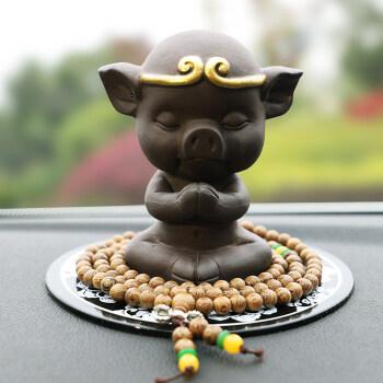 创意汽车小猪摆件可爱卡通猪八戒车载陶瓷平安车内装饰品大圣猴子