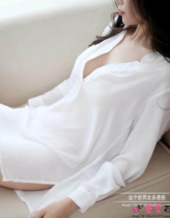 爆操丝袜大奶子_制服夜店女装成人激情套装骚奶子三点式免脱极度诱惑 白色衬衣 白丝袜